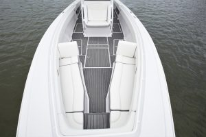 38cc bow view seat